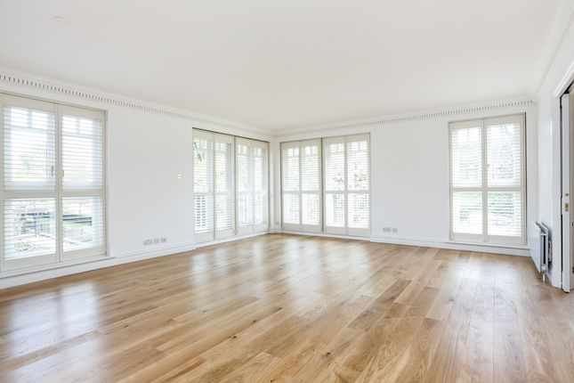 Thumbnail Flat to rent in Clevedon Road, Twickenham