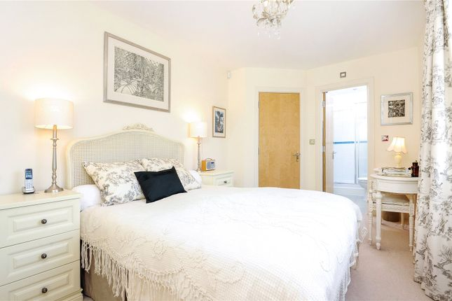 Picture No. 30 of Rythe Close, Claygate, Esher, Surrey KT10