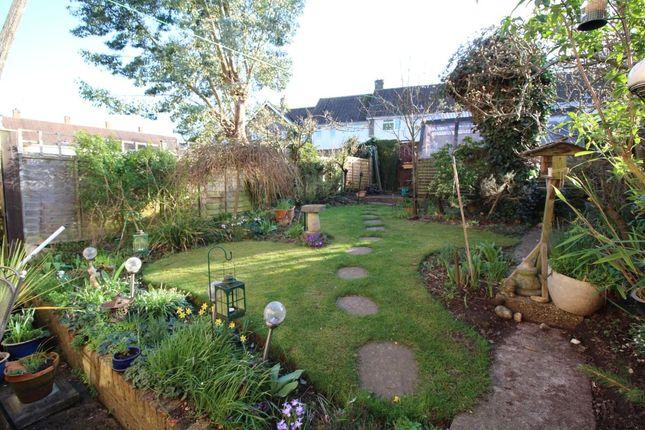 Thumbnail Terraced house for sale in Lyne Way, Warners End, Hemel Hempstead