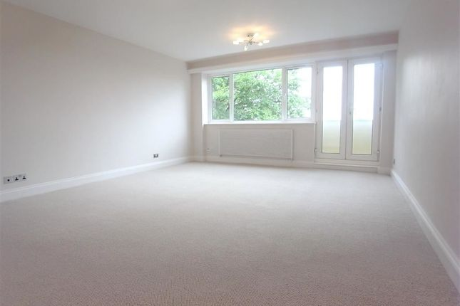 Thumbnail Flat to rent in Fellows Road, Belsize Park, London