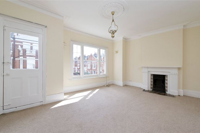 3 bed maisonette to rent in Perrymead Street, London