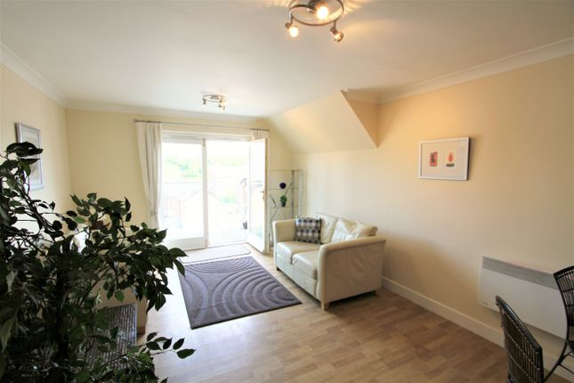 2 bed flat to rent in The Wharf, New Crane Street, Chester CH1