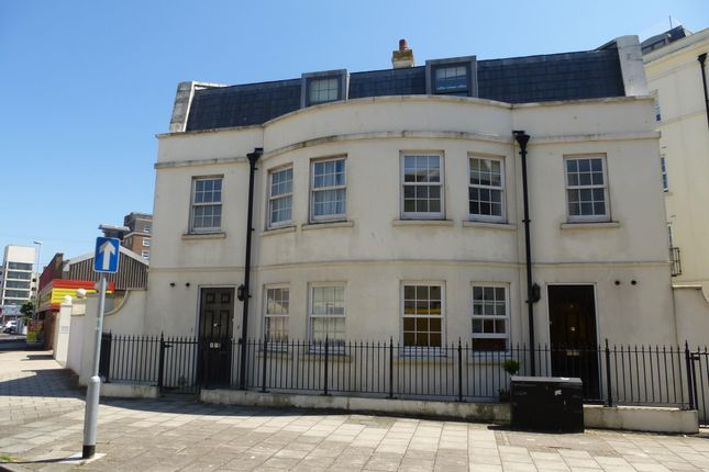 Thumbnail Flat to rent in West Buildings, Worthing