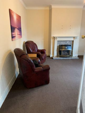 Terraced house to rent in Wingrove Road, Newcastle Upon Tyne