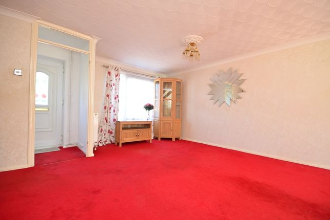 Lounge of Heather Close, Sittingbourne ME10