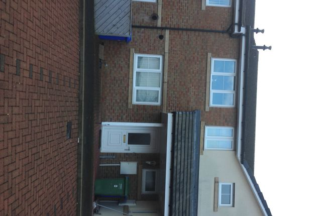 Thumbnail Flat for sale in Berwick Court, Blyth