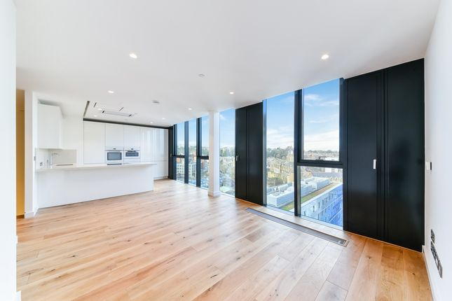 Thumbnail Flat to rent in Hill House, Highgate Hill, Archway
