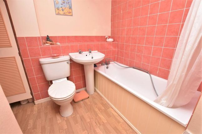 Bathroom of Elliott Close, Pennsylvania, Exeter, Devon EX4