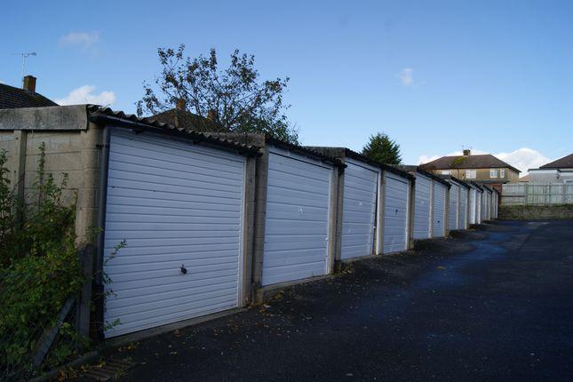 R032 Garages 40-53