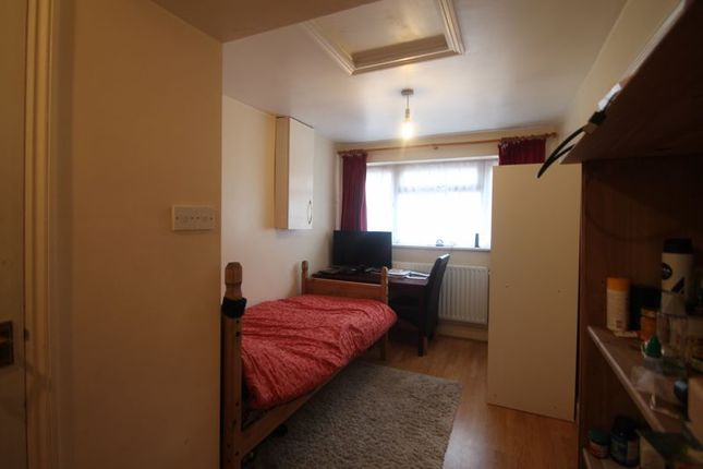 Thumbnail Flat to rent in Stainby Close, West Drayton