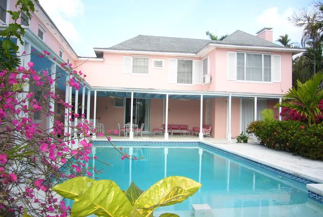 4 bed property for sale in Cable Beach, Nassau, The Bahamas