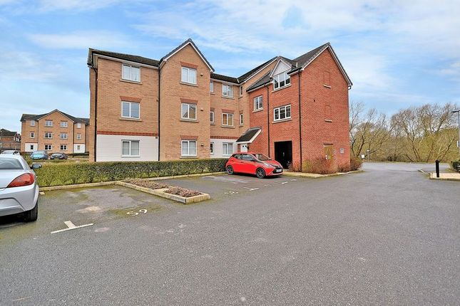 Thumbnail Flat for sale in Monarch Way, Leighton Buzzard