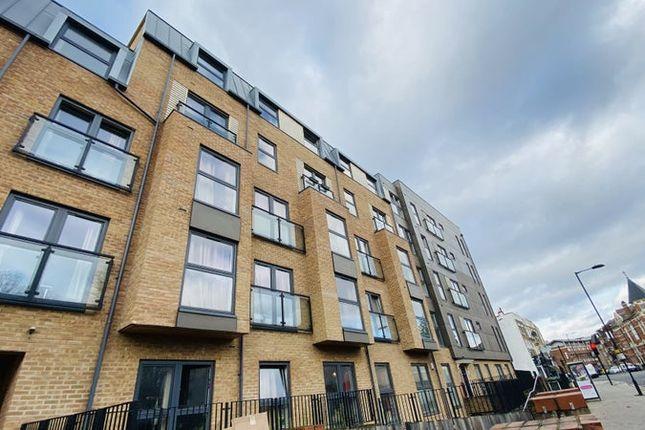 Thumbnail Flat to rent in Amhurst Rd, London