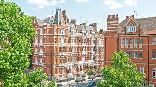 Thumbnail Terraced house for sale in Cadogan Gardens, Slone Square