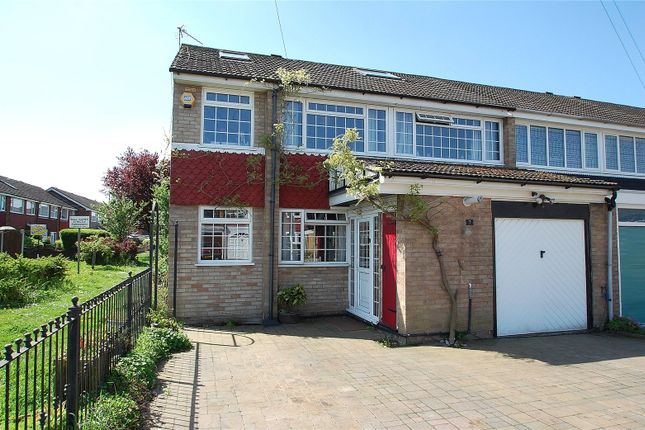 Picture No. 17 of Tangmere Crescent, Hornchurch RM12