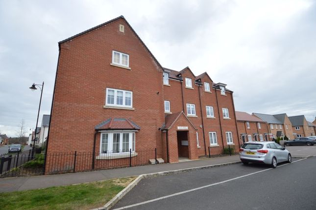Thumbnail Flat for sale in Chestnut Avenue, Silsoe, Bedford