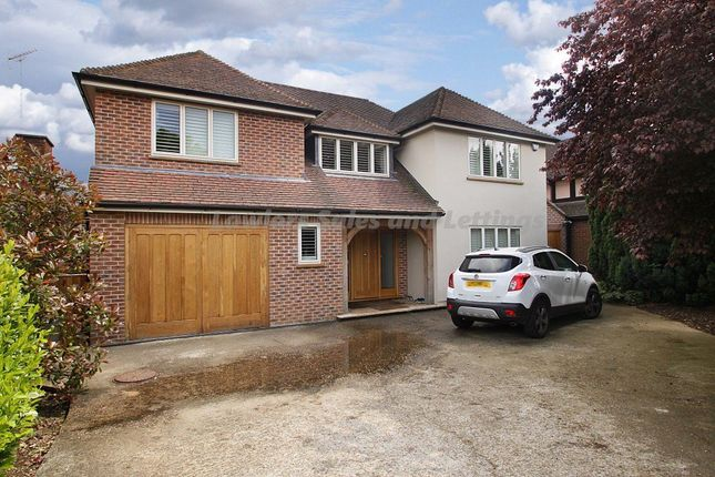 Thumbnail Property to rent in The Beacons, Loughton