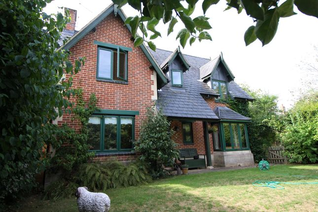 Thumbnail Detached house to rent in Derriads Lane, Chippenham