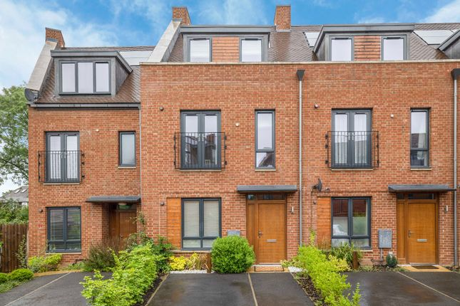 3 bed terraced house for sale in Green Close, Brookmans Park, Hatfield AL9