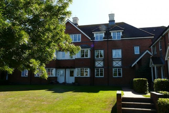 Thumbnail Flat to rent in Ramsbury Drive, Hungerford