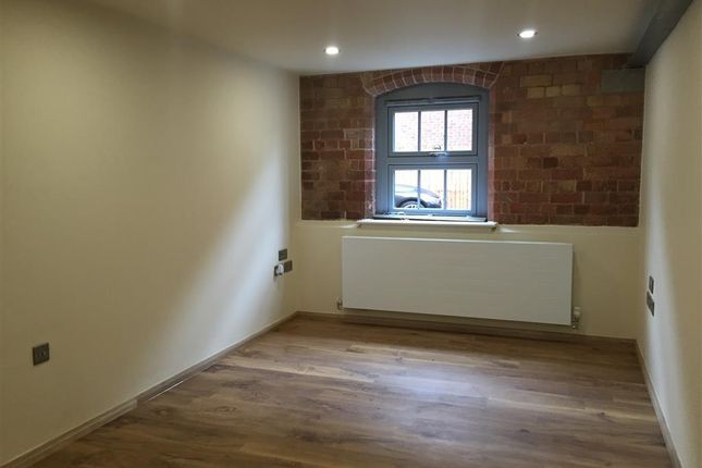 Living Room of Cairns Close, Lichfield WS14