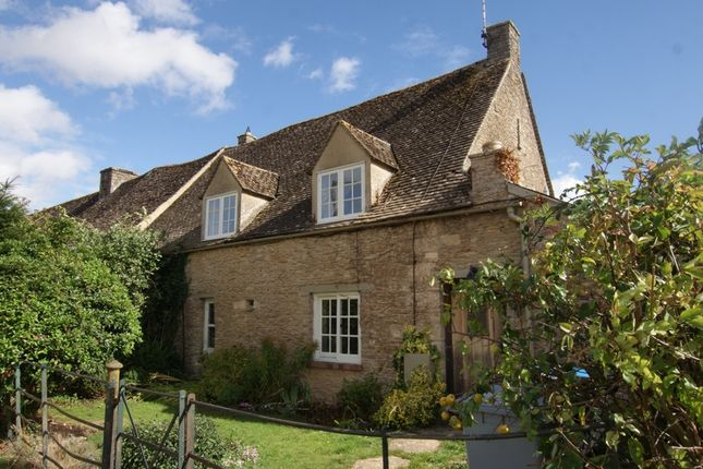 Thumbnail Cottage to rent in Old Barn Cottage, Holwell