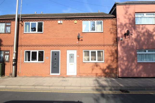 2 bed terraced house to rent in Lord Street, Grimsby DN31
