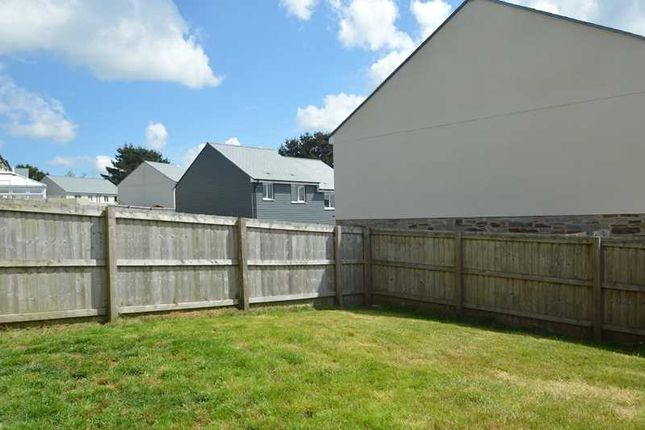 Gardens of Kingston Way, Mabe Burnthouse, Penryn TR10