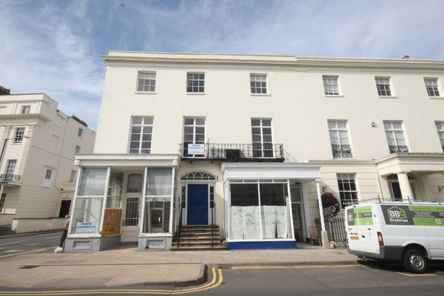 Thumbnail Flat to rent in Warwick Street, Leamington Spa