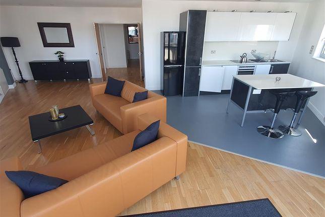 Flat to rent in Altolusso, Bute Terrace, Cardiff