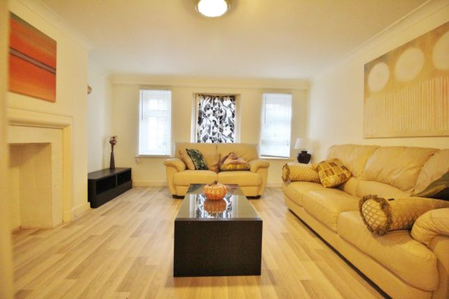 Thumbnail Flat to rent in Greville Place, London
