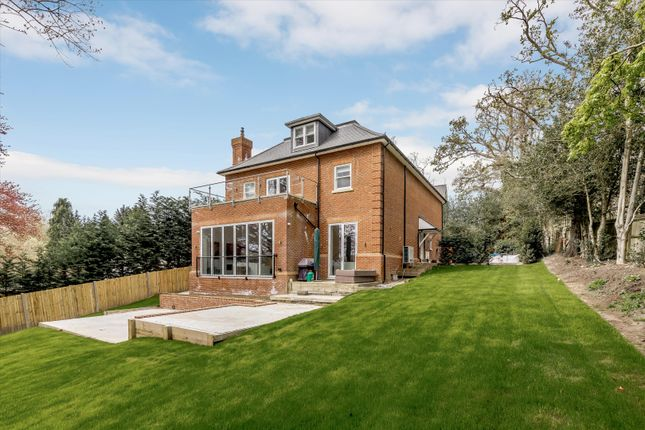 Thumbnail Detached house to rent in London Road, Ascot, Berkshire
