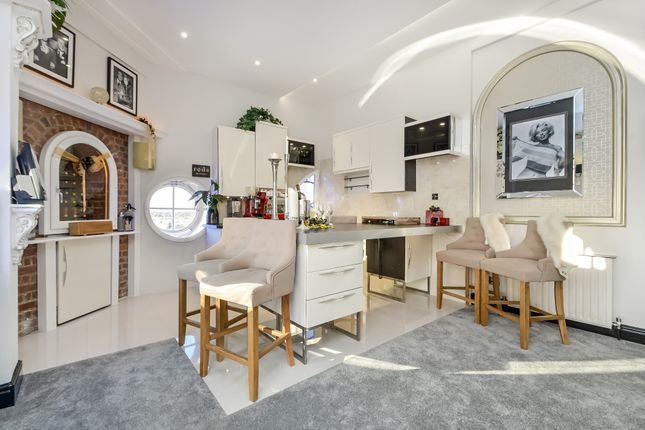 Thumbnail Flat for sale in Clocktower Drive, Southsea