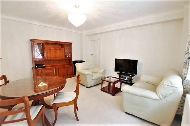 Thumbnail Flat to rent in Tavistock Square, London