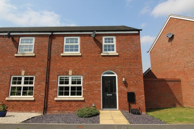 4 bed terraced house to rent in Royal Wilding Place, Hereford HR1