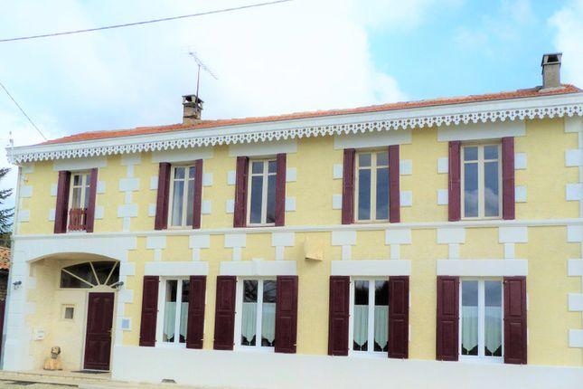 Thumbnail Villa for sale in Mérignac, Charente-Maritime, Nouvelle-Aquitaine