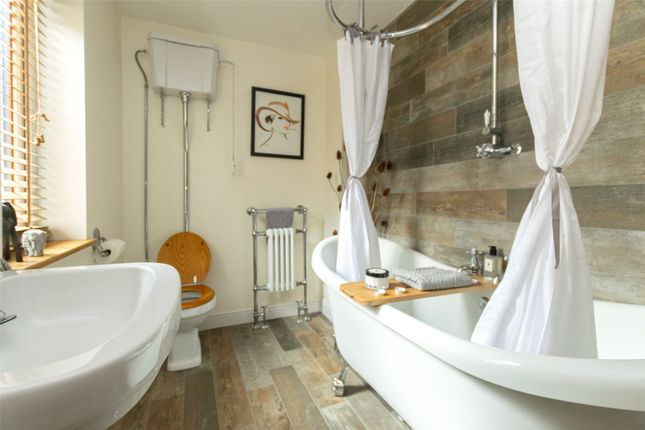 Bathroom of Everton Road, Endcliffe, Sheffield S11