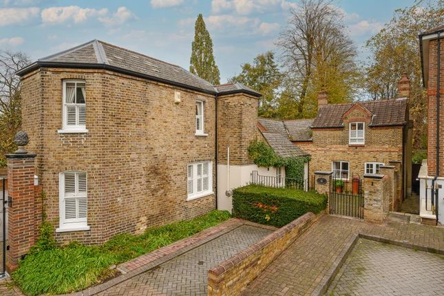 Thumbnail Detached house for sale in King George Square, Richmond