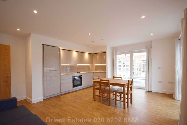 Flat to rent in Hoy Close, Colindale