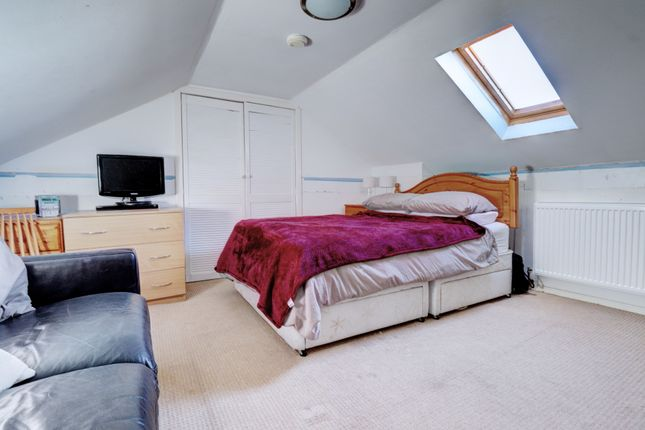 Bedroom of Mainsacre Drive, Stonehouse, Larkhall ML9