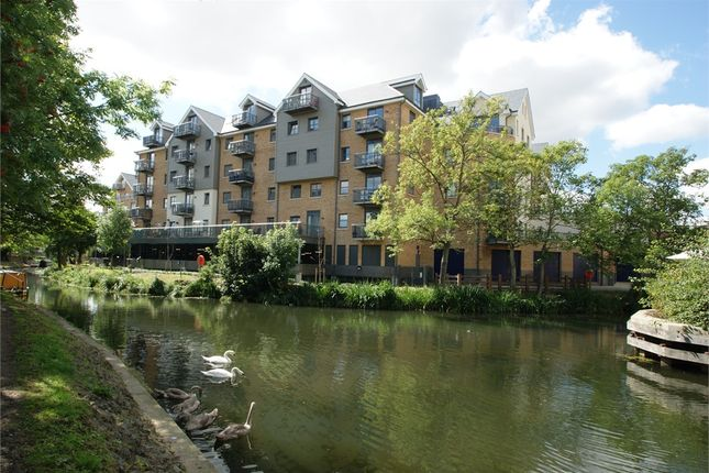 Thumbnail Flat to rent in Riverside Wharf, Riverside, Bishop's Stortford