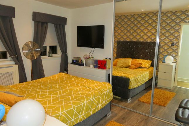 Bedroom of Rockcliffe Path, Chapelhall, Airdrie ML6