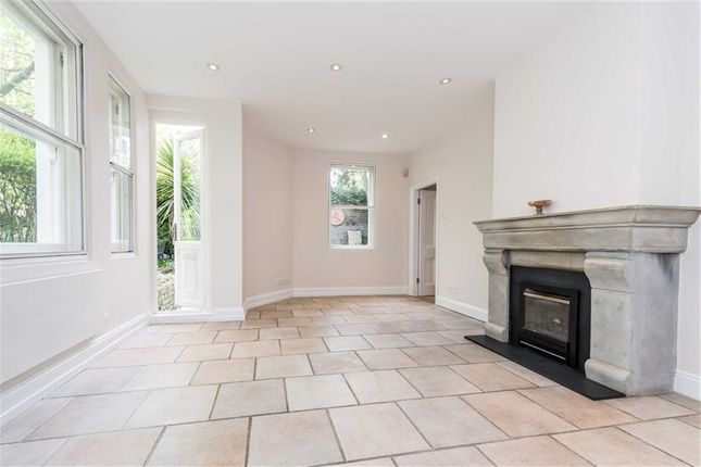 1 bed semi-detached house for sale in Holland Park, London