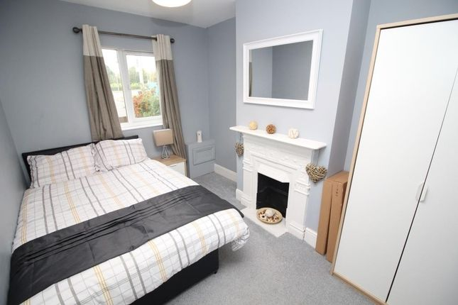 1 bed property to rent in basingstoke road reading rg2. Black Bedroom Furniture Sets. Home Design Ideas