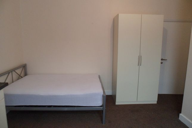 Thumbnail Flat to rent in Roundwood Road, Willesden