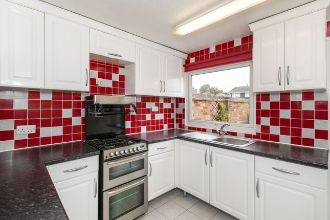 Thumbnail Terraced house to rent in Maypole Road, Burnham, Slough