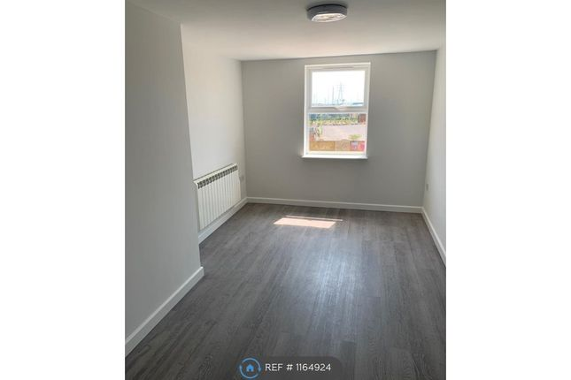 Thumbnail Flat to rent in High Street Bluetown Sheerness, Sheerness