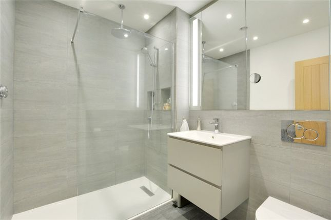 En-Suite of St Pauls Wood Hill, Orpington BR5