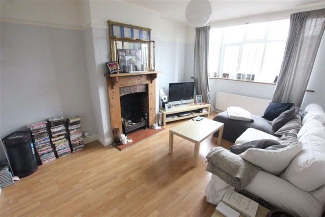 3 bed flat to rent in Bradmore Green, Brookmans Park, Hatfield