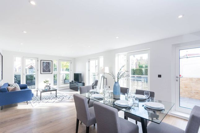 Thumbnail Flat for sale in Taybridge Road, Clapham Common North Side